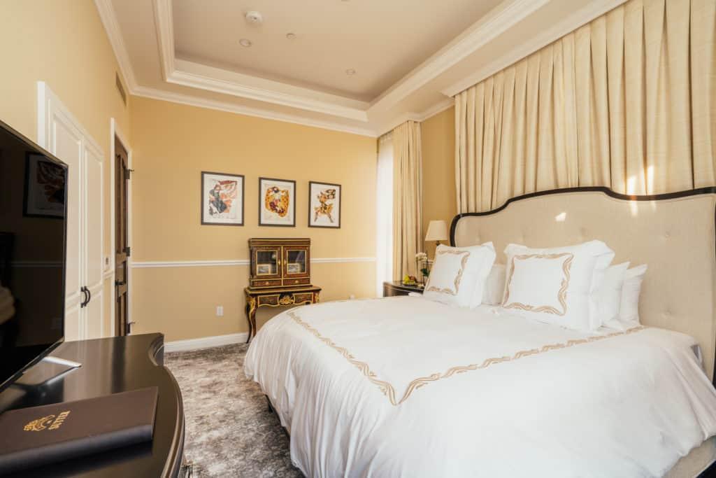 The Corner Suite