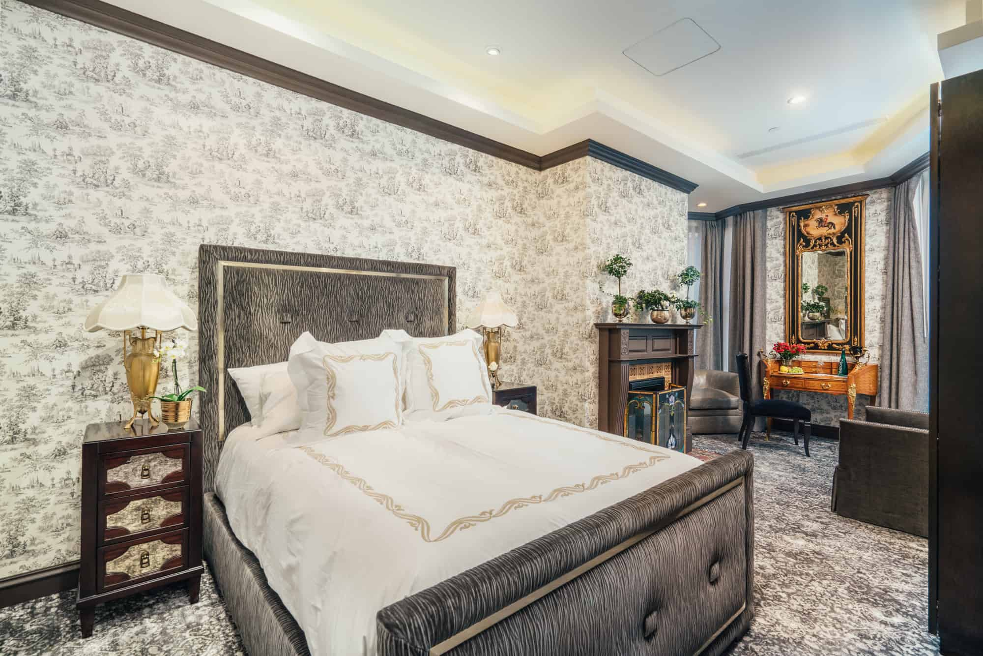 The Jardin Room - Queen size bed, Nero Portoro marble bathroom with separate shower and deep soaking tub.